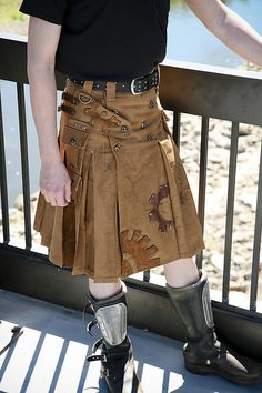 Regina Davan says her goal is to put every man in a kilt. Her steampunk kilts feature heavy brass clasps and locks, and images of gears. (Photo by PointyKitty Studios)<<<OMG IT'S A STEAMPUNK KILT Steampunk Accessoires, Mode Steampunk, Style Steampunk, Steampunk Cosplay, Steampunk Clothing, Steampunk Fashion, Gothic Fashion, Victorian Fashion, Mens Fashion