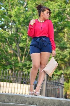 Short de cintura alta e camisa larguinha