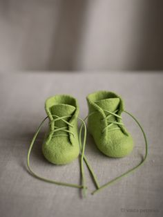 Unisex baby shoes in fresh green | perfect felted slippers for a boy or a girl. Made by Felt Studio VART | Vaida Petreikis