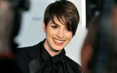 Anne Hathaway Has A Colossal Problem In A New Monster Movie ...