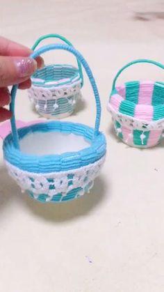 DIY Weaving Art - Flower Basket Diy Crafts For Home Decor, Diy Crafts Hacks, Diy Crafts For Gifts, Diy Arts And Crafts, Craft Stick Crafts, Creative Crafts, Cool Paper Crafts, Paper Crafts Origami, Fun Crafts