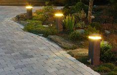 ideas garden lighting Bollard Lighting, Patio Lighting, Lighting Ideas, Dream Garden, Home And Garden, Outdoor Living Rooms, Sidewalk, Backyard, Yard Ideas