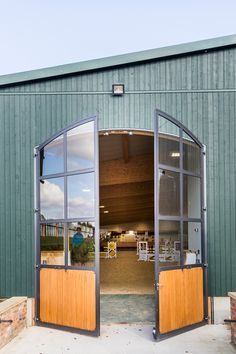 Indoor Riding Arena Envy: Gornall Equestrian - STABLE STYLE Barn Stalls, Horse Stalls, Dream Stables, Dream Barn, Equestrian Stables, Horse Arena, Horse Barn Plans, Indoor Arena, Tallit