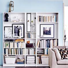 Wenn das #BILLY Regal zur Galerie wird. #Regal #Sofa #Wohnzimmer #STOCKHOLM #meinIKEA