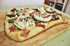Making Dinner with What's at The Farmer's Market: Egg, Asparagus, Goat Cheese & Prosciutto Tart Goat Cheese Recipes, Prosciutto, The Fresh, Farmers Market, Vegetable Pizza, Asparagus, Goats, Tart, Nom Nom