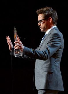People's Choice Awards 2013. Favorite Movie Actor: Robert Downey Jr.
