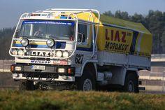Automobilka LIAZ se před 65 lety rodila v bolestech. Její nákladní vůz RT je ale téměř nesmrtelný - Aktuálně.cz Rallye Paris Dakar, Rally Raid, Road Racing, Cars And Motorcycles, Techno, Porsche, Military, Trucks, Vehicles