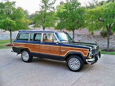"Jeep Grand Wagoneer ""Woody"", navy blue"