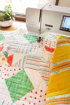 Resplendent Sew A Block Quilt Ideas. Magnificent Sew A Block Quilt Ideas. Quilting For Beginners, Sewing Projects For Beginners, Quilting Tips, Quilting Tutorials, Quilting Projects, Sewing Tutorials, Beginner Quilting, Quilting Room, Sewing Machine Quilting