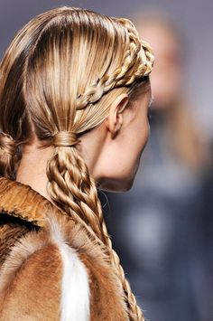 Viking Braids: love this elaborate hairstyle; only for a special ocassion. Pigtail Hairstyles, Pretty Hairstyles, Girl Hairstyles, Braided Hairstyles, Hairstyle Ideas, Viking Braids, Viking Hair, Hair Today, Hair Dos