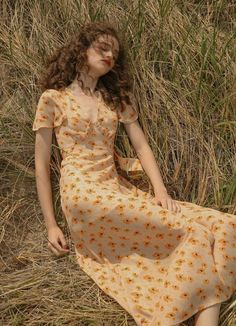 Sincethen Peche Floral Maxi Dress - Source by - Aesthetic Fashion, Aesthetic Clothes, Vintage Dresses, Vintage Outfits, Vintage Fashion, Summer Outfits, Cute Outfits, Work Outfits, Pretty Outfits