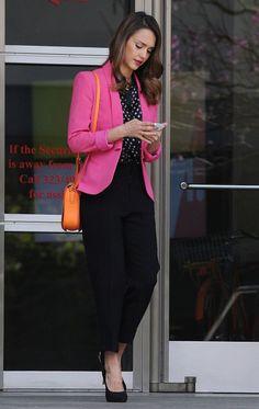 jessica alba pink blazer and office style