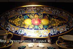 Piatto di ceramica dip.a mano #Italy http://ceramicamia.blogspot.it/2012/12/aggiornamento-della-mostra-di-ceramica.html