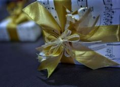 Shades of gold bow with old yellowed sheet music. Shades Of Gold, Quilling, Card Making, Wraps, Paper Crafts, Gift Wrapping, Bows, Gallery, Sheet Music