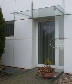 Vordach und seitlicher Regenschutz aus Sicherheits Glas und Edelstahl