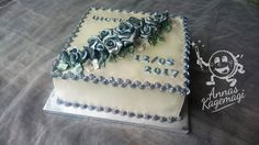 Confirmation cake for Dicte's party. The edgdes are Royal Icning. The roses are marzipan