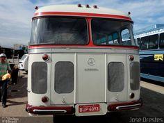 Ônibus da empresa Mercedes-Benz, carro , carroceria Mercedes-Benz Monobloco O-321, chassi Mercedes-Benz O-321. Foto na cidade de São Paulo-SP por José Orestes, publicada em 18/07/2015 20:56:50.