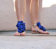 DIY ruffles for sandals. Since I'm gonna be in flats all summer because of this injury, I'm all over these.