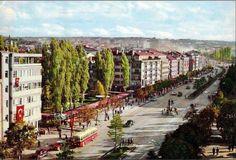 Zafer Meydanı, 1960'lı Yıllar... Bugün Zafer Çarşısı'nın üstünde bulunan beton alan o zamanlar yemyeşil... #Ankara