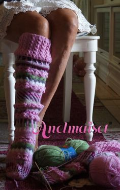 Sukat Crochet Socks, Crochet Gifts, Knitting Socks, Hand Knitting, Knit Crochet, Funky Socks, Cozy Socks, Winter Socks, Lovely Legs