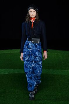Marc by Marc Jacobs at New York Fashion Week Fall 2015 - Runway Photos