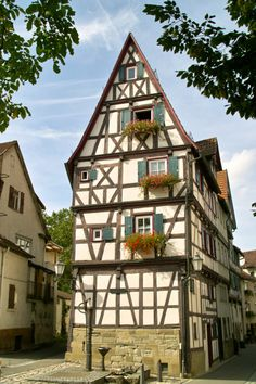 house - Schorndorf, Germany (by kweinland - allthingseurope)