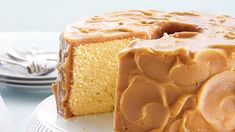 Caramel-Frosted Pound Cake Recipe Crowd-pleasing pound cake tucked beneath ribbons of caramel icing. Brownie Desserts, Oreo Dessert, Mini Desserts, Just Desserts, Dessert Recipes, Dessert Mousse, Dessert Party, Bar Recipes, Dessert Ideas
