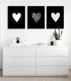 Tríptico Moderno Corazones #cuadros #cuadrosmodernos #corazones #triptico #deco Diy Room Decor, Bedroom Decor, Wall Decor, Home Decor, Bohemian Style Bedrooms, New Room, Room Inspiration, Sweet Home, Interior
