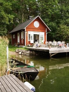 Sjöstuga - Cabins for Rent in Värmdö NV, Stockholms län, Sweden Swedish Cottage, Red Cottage, Sweden House, Tiny Houses For Rent, Outdoor Furniture Sets, Outdoor Decor, Perfect Place, Countryside, Places To Go