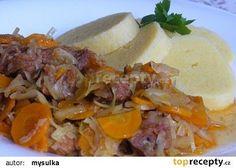 Vepřové maso v zelí a mrkvi recept - TopRecepty.cz Goulash, Gnocchi, Thai Red Curry, Mashed Potatoes, Rice, Beef, Ethnic Recipes, Style, Diet
