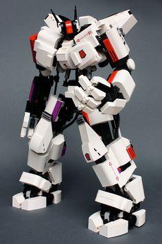 ホワイトガーディアン by m_o_n_k_e_y, via Flickr #lego #mecha #robot