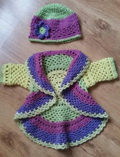 Pattern is RIngaroudthe rosie by the lavender chair. Hat my own creation