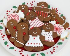 {Sweet Parties} A Gingerbread Party - Glorious Treats Christmas Goodies, Christmas Desserts, Holiday Treats, Christmas Treats, Christmas Baking, Merry Christmas, Italian Christmas, Christmas Music, Gingerbread House Parties