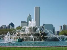 See a free water display every hour at the Buckingham Fountain from mid-April to mid-October. The best time to go is between dusk and 10 p.m., when the fountain's 133 spouting jets are accompanied by a music and light display.