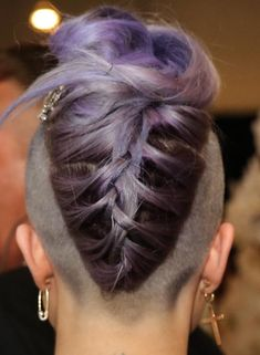 Have you seen the latest trend of undercut hair designs for women? For ladies who like bringing something new and different hair ideas to the table, these shaved hair designs for women and use of colors are very much a thing to be looking into. Funky Hairstyles, Pretty Hairstyles, Braided Hairstyles, Shaved Hairstyles, Teenage Hairstyles, Undercut Hairstyles, Emo Haircuts, Wedding Hairstyles, Hairstyle Men