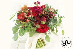 Flori rosii pentru NUNTA | YaU BLOG Wedding Bouquets, Christmas Wreaths, Holiday Decor, Blog, Design, Art, Art Background, Wedding Brooch Bouquets, Bridal Bouquets