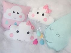 Kit nuvem Cute Crafts, Felt Crafts, Diy And Crafts, Unicorn Baby Shower, Unicorn Party, Sewing Crafts, Sewing Projects, Newborn Bed, Ideas Geniales