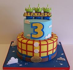 Toy Story cake! Omg this would be perfect for Liam! even though the  batman cake was totally awesome too!