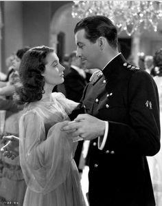 Vivien Leigh and Robert Taylor in Waterloo Bridge (1940)