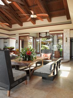 Tropical Dining Room By Gioi Tran