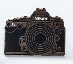 Pin's Nikon Df noir - Nikon Store