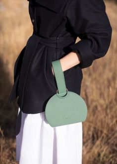 """Minimalistic and refined, the handbag """"Numéro Six"""" plays with a precision of curves and a sophistication with a central metal. Polene Paris, Number Six, Monochrome, Shop Now, Your Style, Clothes, Plays, Products, Fashion"""