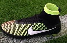 These will be mineeeee Best Football Cleats, Nike Football Boots, Soccer Boots, Football Gear, Soccer Cleats, Nike Soccer, Cool Nikes, Cool Boots, Nike Free
