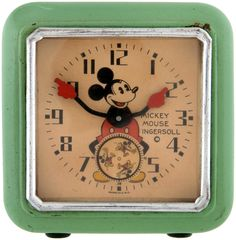 .I bought Emma a newer one of these at Disney World to help her wake up for school on her own.  That didn't work but I still keep the clock.  Nana