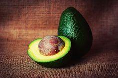 Avocadokern - Inhaltsstoffe, was man damit alles machen kann, auch der Kern ist essbar und gesund.