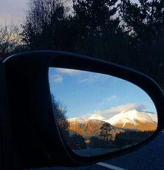 we just started our road trip..... and the view is terrific.... HighLands - Scotland  Nos acabamos de comecar a nossa viagem de carro para as Terras Altas da Escocia Highlands e Ja estou encantada pela paisagem.... Estamos indo em direção ao Lago Lomond!!!!! #sofiaeigorpelomundo #escocia #scotland #highlands #landscape #wanderlust #selfievip #trippics #travelblog #traveling #mytravelgram #my #roadtrip #drive #braroundtheworld #congeleiomomento #hturteleva #snow #nature #blessed #like4like…