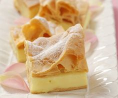 Puff pastry cake with vanilla pudding in polish style Cookie Desserts, No Bake Desserts, Waffle Recipes, Baking Recipes, Austrian Recipes, Sweet Cakes, Cakes And More, Cake Cookies, Yummy Cakes