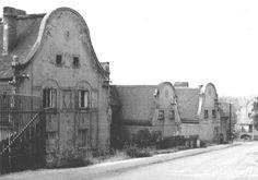 Domy byly zbořeny v osmdesátých letech minulého století při realizaci tzv. hygienického pásma válcoven ul.Alfonse Muchy Spaces, Painting, Painting Art, Paintings, Paint, Draw