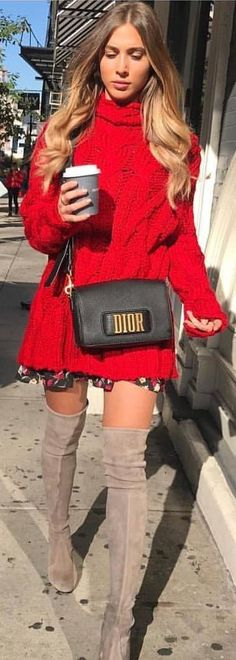 #winter #outfits black Dior leather crossbody bag. Pic by @london_style_blog.