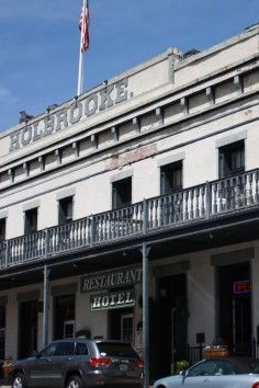 Holbrooke Hotel/ haunted and I want to spend night in most haunted room!